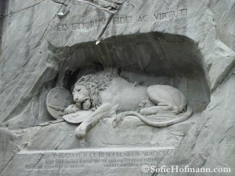 2009-lion-monument